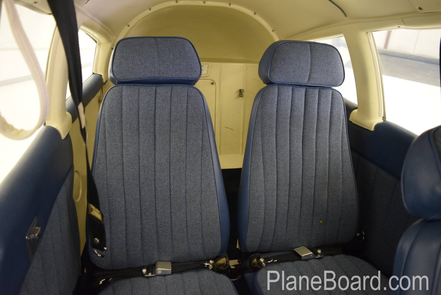 1973 Piper Charger 235 interior 15