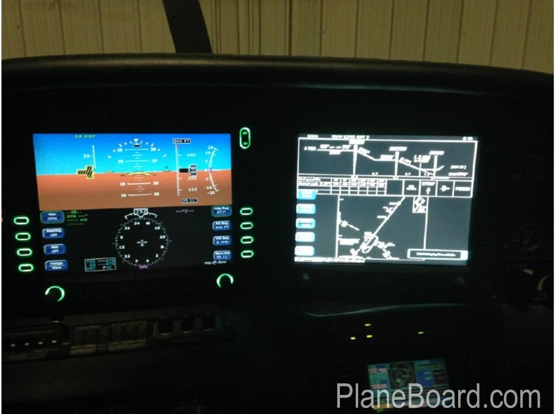 2005 Cirrus SR22-GTS interior 5