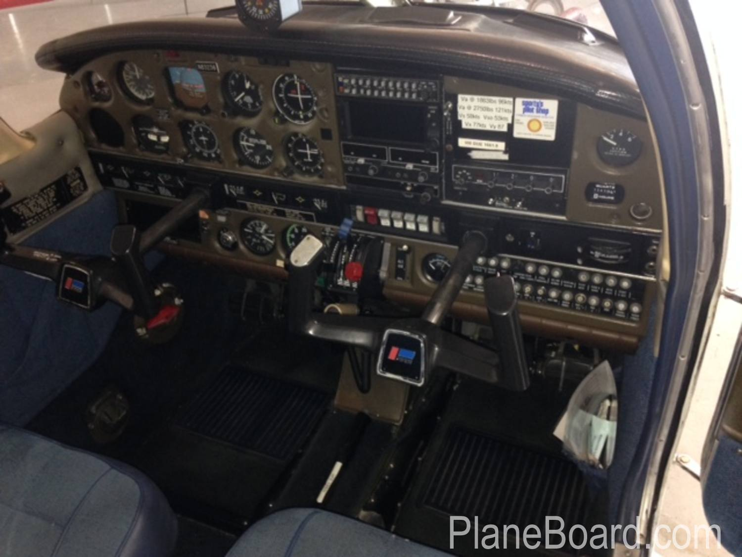 1981 Piper Arrow IV interior 8