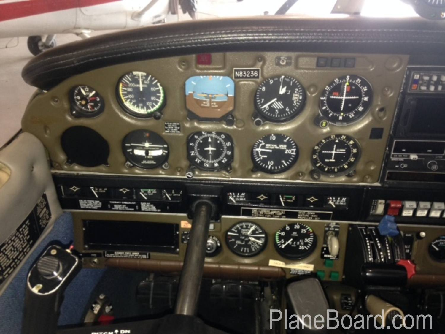 1981 Piper Arrow IV interior 7