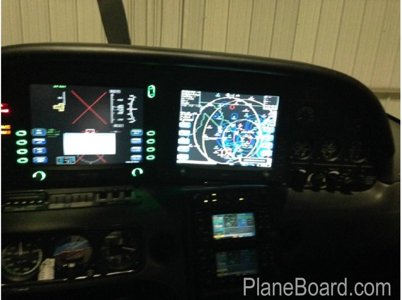 2005 Cirrus SR22-GTS interior 6