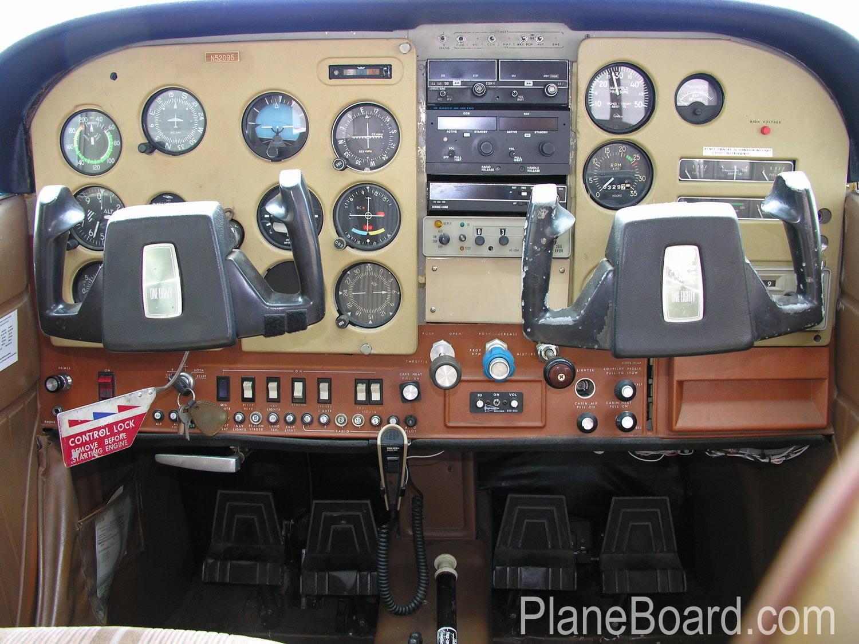 1974 Cessna 180 interior 1